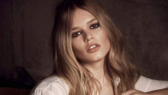 THE STORY OF ANNA EWERS