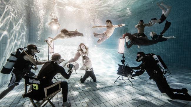 Photographers (S19E01) | Glamour